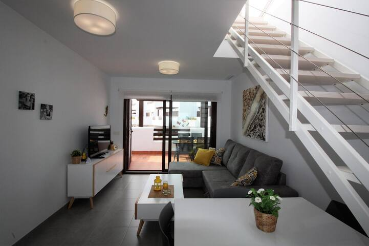 Oona, apartment with balcony, roof terrace and communal pool