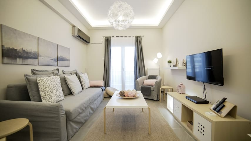 Cosy home, Lycabettus view, Historical Center