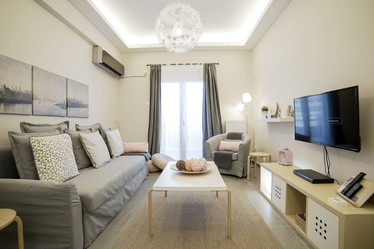 Cosy home, Lycabettus view, Historical Center - Apartments for Rent ...