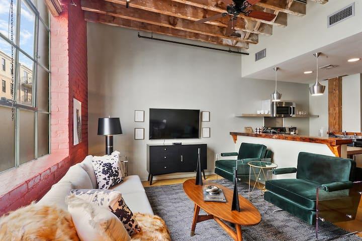 Domio | Warehouse District | Inventive Two Bedroom