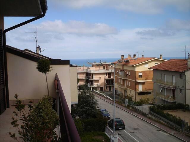 APPARTAMENTO SPAZIOSO E LUMINOSO - Campofilone - Apartamento