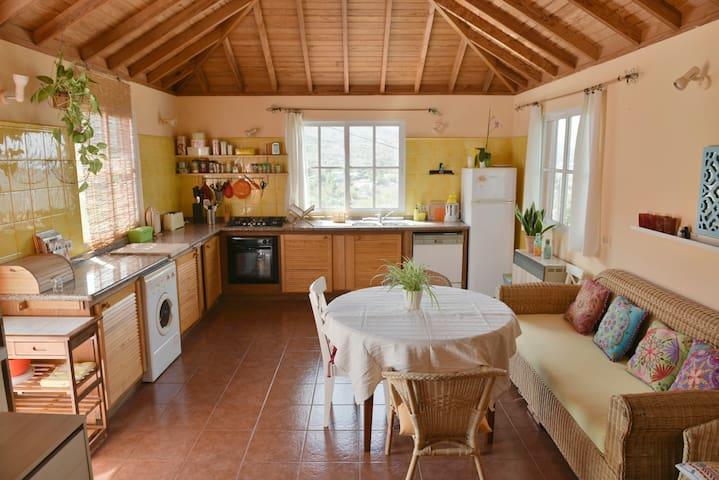 Schönes, grosses Haus mit Meerblick - Los Llanos - Rumah