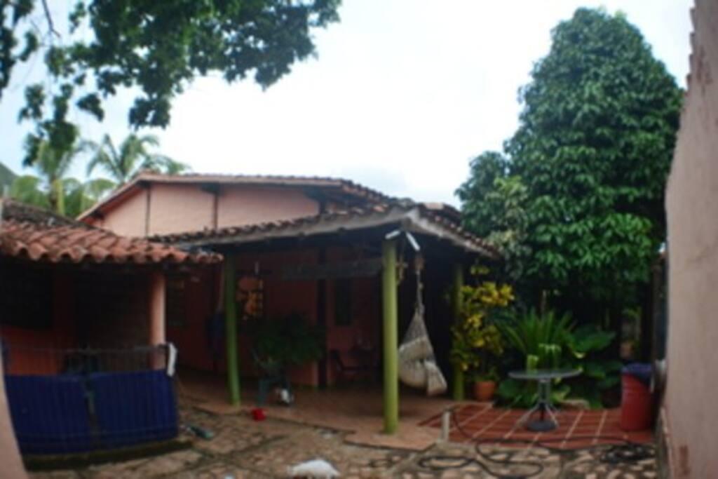 Bella casa de 400 mts cuadrado muy fresca y cerca de las principales playas de la isla
