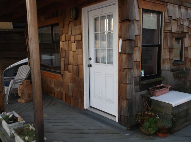 The BUNK at Mibbett Hollow - Seattle - Boat