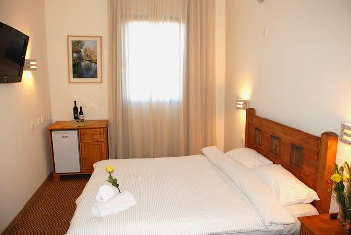 standard Superior room - Yesud HaMa'ala - Bed & Breakfast