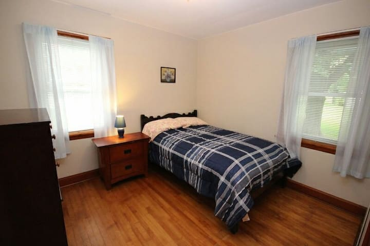 4 Season Cottage St. Lawrence River - Prescott Prescott  - House