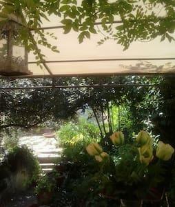 Camere con vista - Campagnano di Roma - House