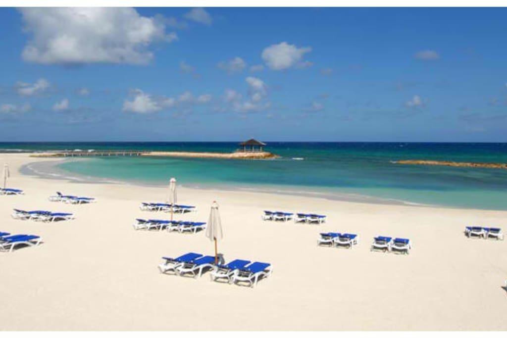 Super private beach.   No vendors none!!!!