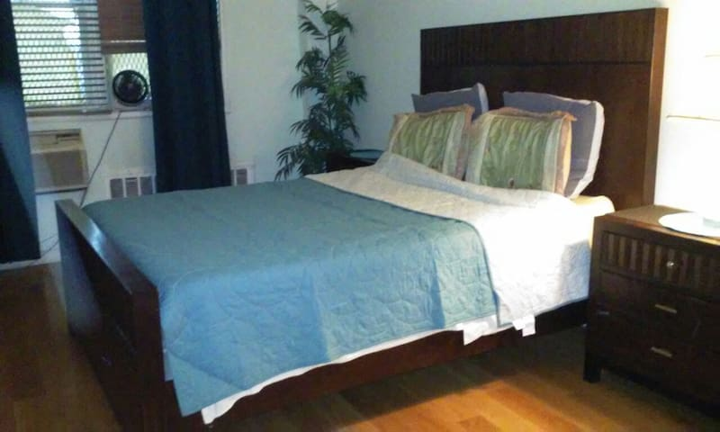 Beautiful Spacious Room - Private - Queens - Apartamento