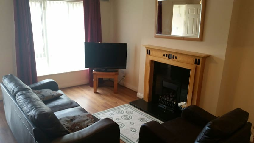 3 bed cozy apt Dooradoyle Limerick