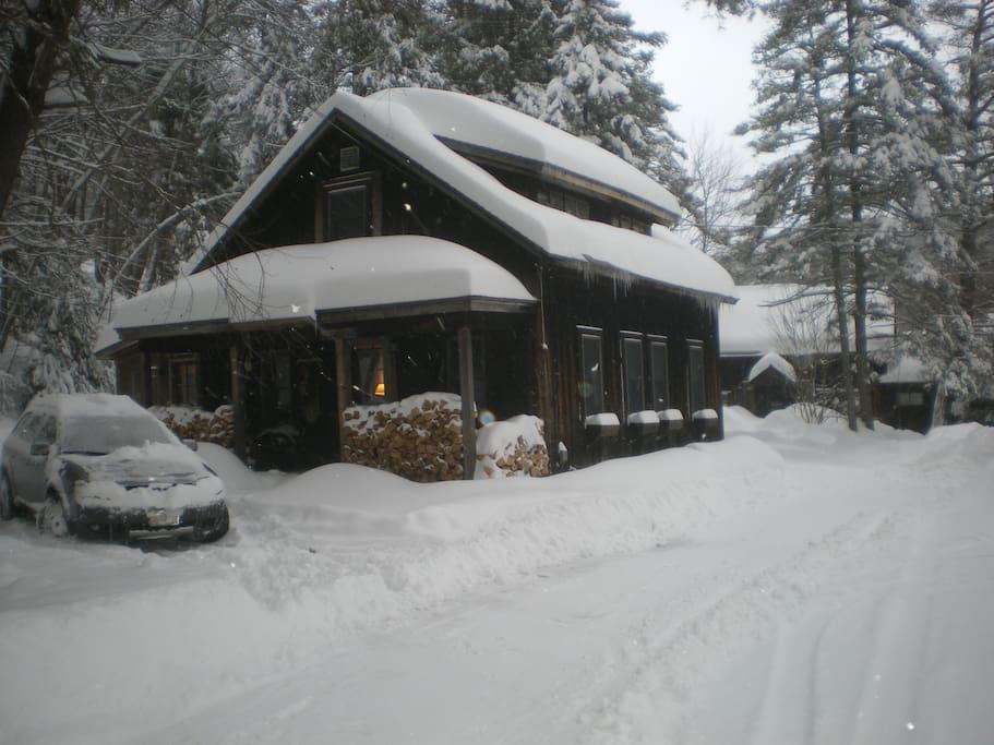 The Cabin has 2 bedrooms, sleeps 5