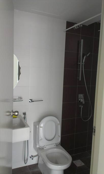 Bath Room with heather