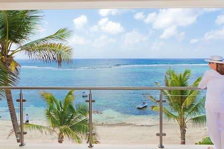 Oceanfront Villa (Brand New)