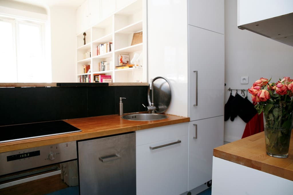 Open equiped kitchen