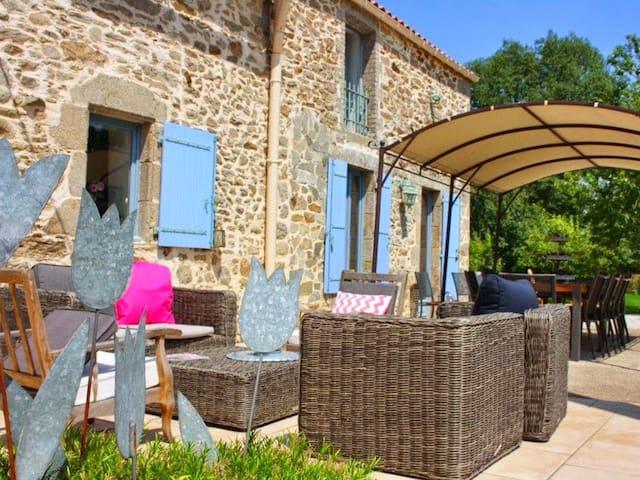 Chambre d'hôtes 4 pers. Puy du Fou - La Gaubretière - Bed & Breakfast