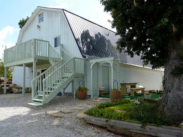 Country Lodge at Sabbath Song Farm - Brooksville - House