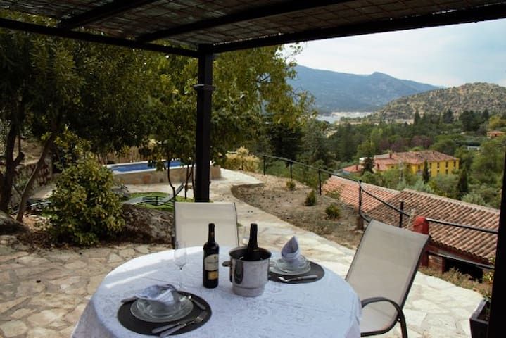 Great house for romantic moments - El Barraco (Avila)