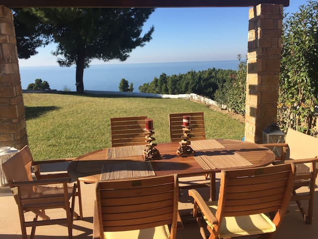 Beach house with view in Elani - Elani - House