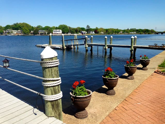 Spectacular Salt Water Front! - Barrington - Maison