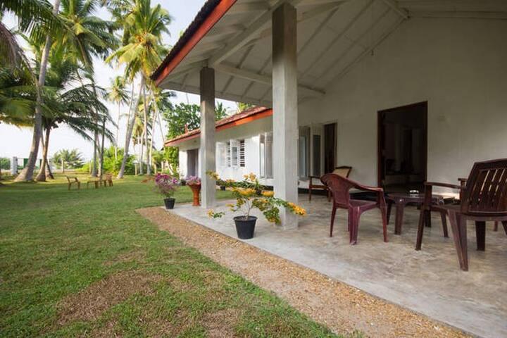 Relax at Colonial Villa 29Rathnagiri!