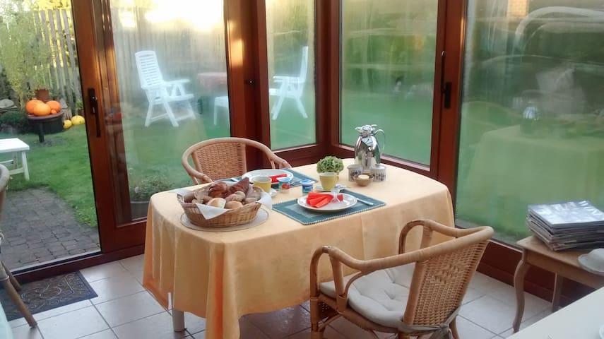 cosy room in De Haan, near Ostend - De Haan - House