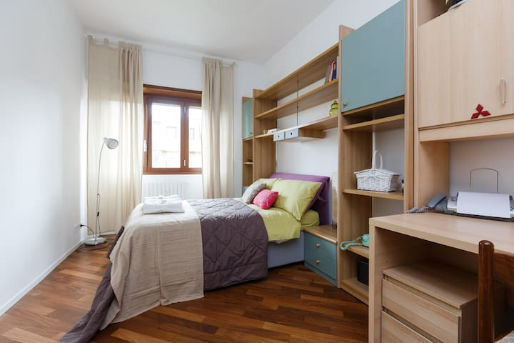 Cozy room in modern apartment! - Rome - Appartement