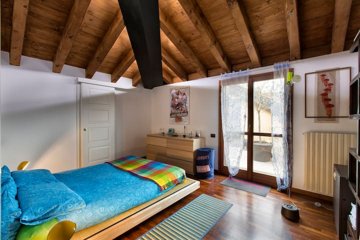 Sunny attic near Milano - Corbetta - Apartment