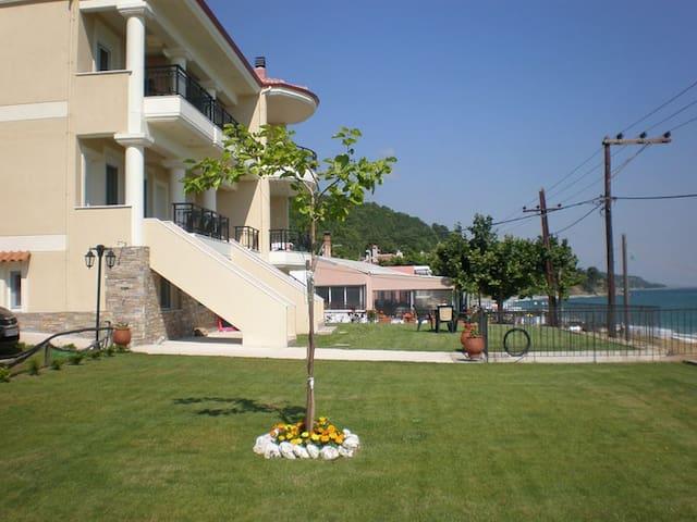 Μια άνετη μεζονέτα μπροστά στο κύμα - Paliouria - Apartment