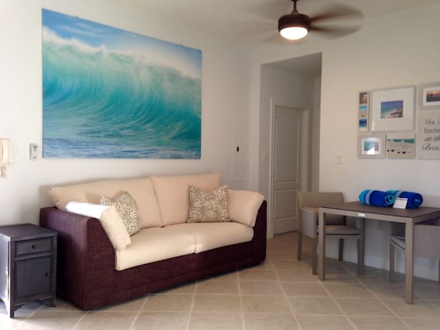 Grace Bay 1 BR Condo - Pool + Beach Access (1agg) - Providenciales - Kondominium
