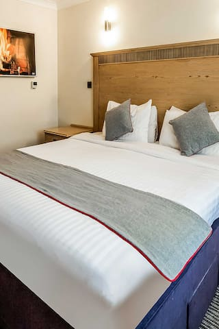OYO Osterley Park Hotel, Deluxe Double Room