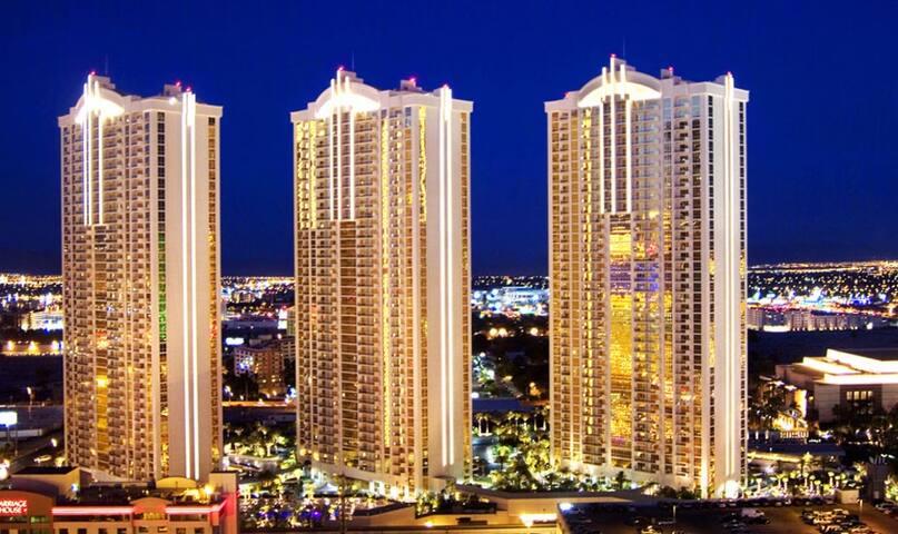 LUXURY 1BR/2BA @ MGM SIGNATURE 5 - Las Vegas - Flat