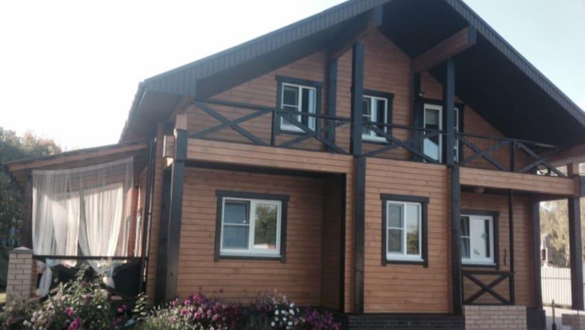 Новый современный коттедж - Безводное - Huis