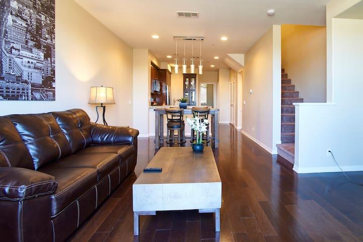 Lovely Modern Home In Irvine