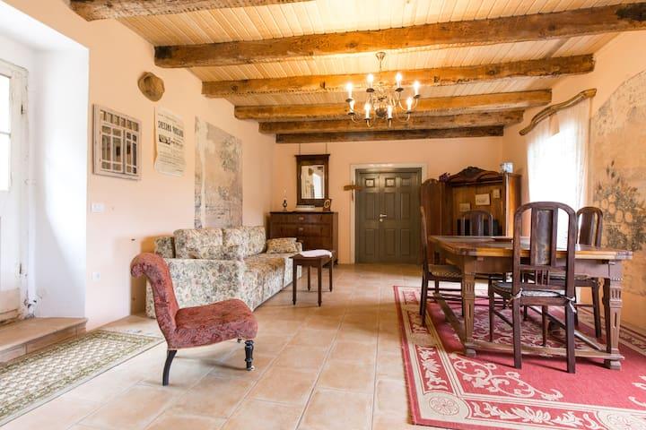 1700 historic Villa with gardens near Nehaj castle - Senj - Villa