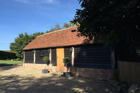 Contemporary 5* barn, idyllic spot - Chiddingstone Hoath - Bed & Breakfast