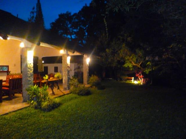 Toma nocturna de la terraza