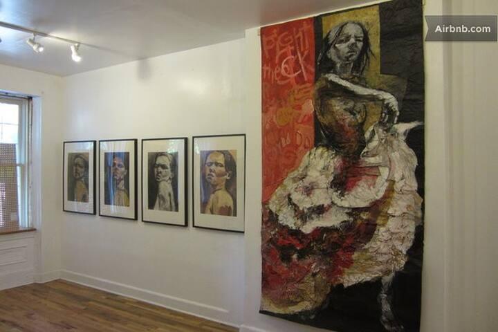 Private room  Local Artist Family 3 - Philadelphia - House