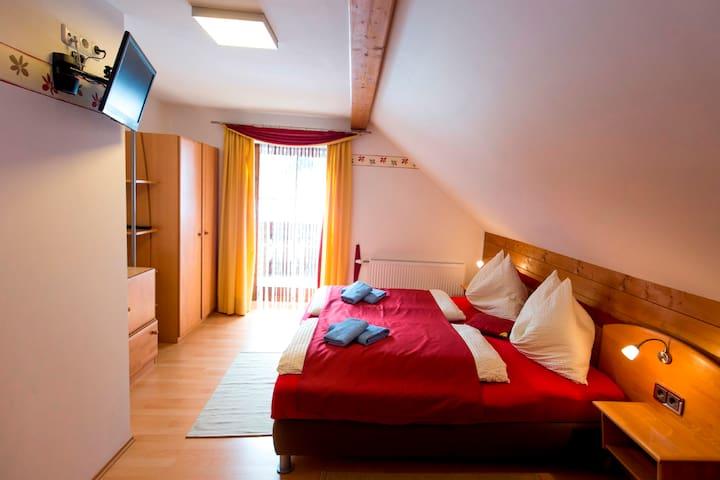 Komfortzimmer mit Balkon, Murau