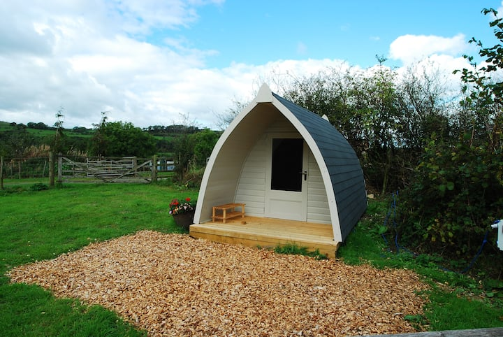 Camping pod in western lakes