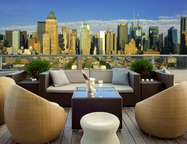 Entire suite with breathtaking views of NYC