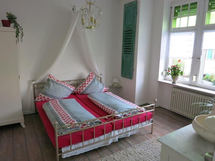 Spacious apartment near Rheinsteig
