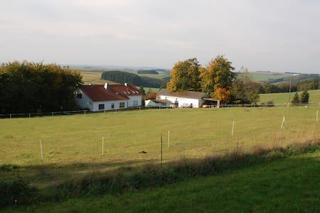 Ferienwohnung Krumbacher Hof/Eifel bei Prüm - Herzfeld