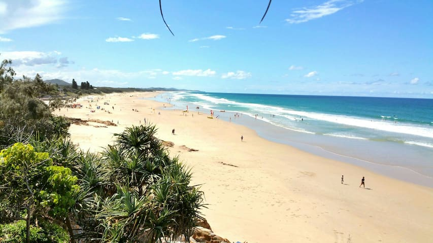 Private Tropical Retreat on Sunshine Coast  $45 - Pantai Coolum - Rumah