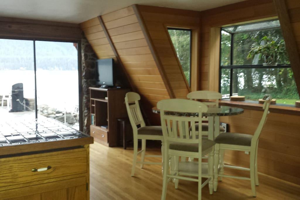 3 bedroom home Kitchen, diningroom