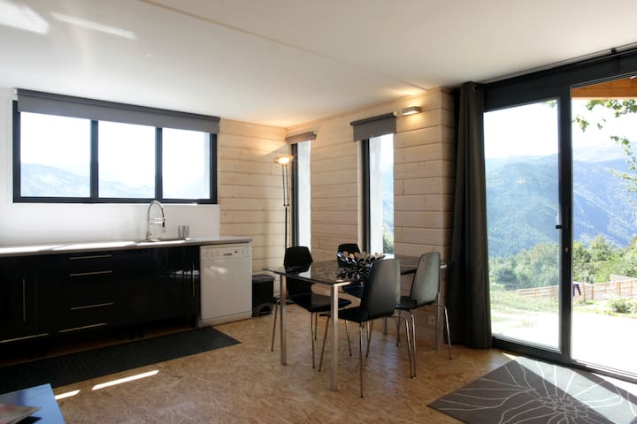 Appartement With Stunning View - Ignaux - Daire