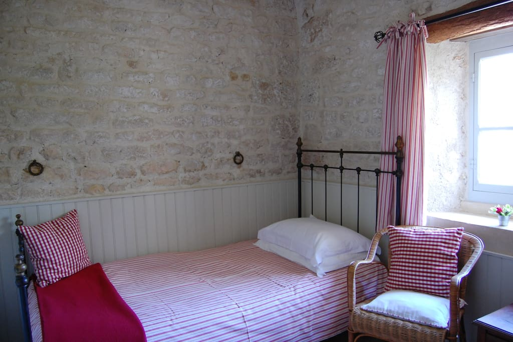 'Les Ecuries' can accommodate up to three as there's a single bed in the cosy sitting room.