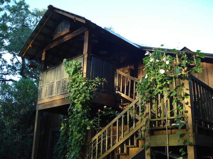 "Shadetree's LOFT - Repeatedly called ""magical"""