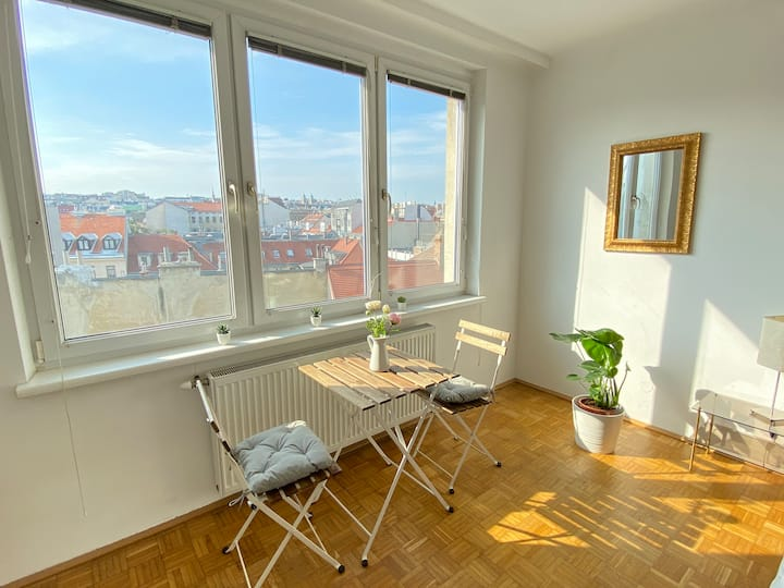 apartment with an amazing view, next to naschmarkt