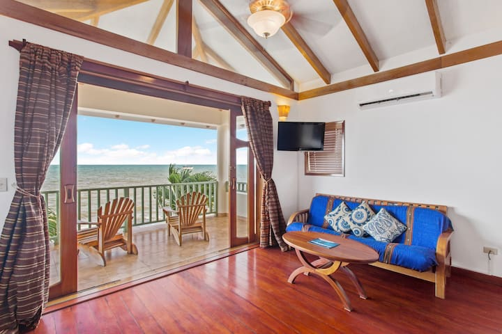 Your Own Three Bedroom Beach House in Hopkins - Pool and Private Beach Access