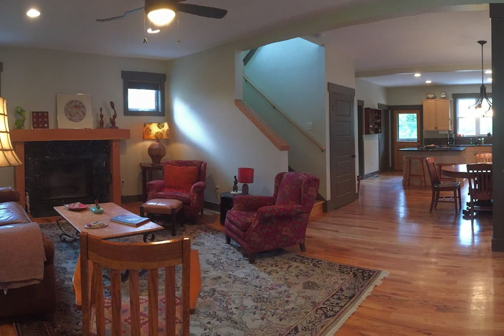WELCOME! Spacious & Open main floor upon entry!